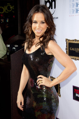 Lacey Chabert Body measurements, height, weight,Body shape ...